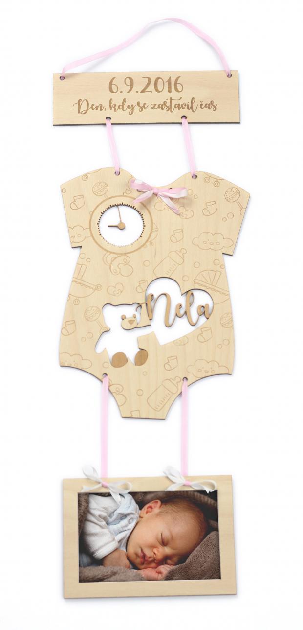 Dekorace s rámečkem k oslavě dne, kdy se zastavil čas Fotorámeček jako ideální dárek k narození dítěte - den kdy se zastavil čas