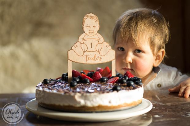 Zápich do narozeninového dortu se jménem, věkem a obličejem Vašeho děťátka Ozdoba na dort k narozeninám se jménem, věkem a obličejem Vašeho děťátka