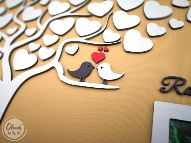 Svatební plátno s motivem stromu a rámečkem a tolika srdci, kolik si jen budete přát