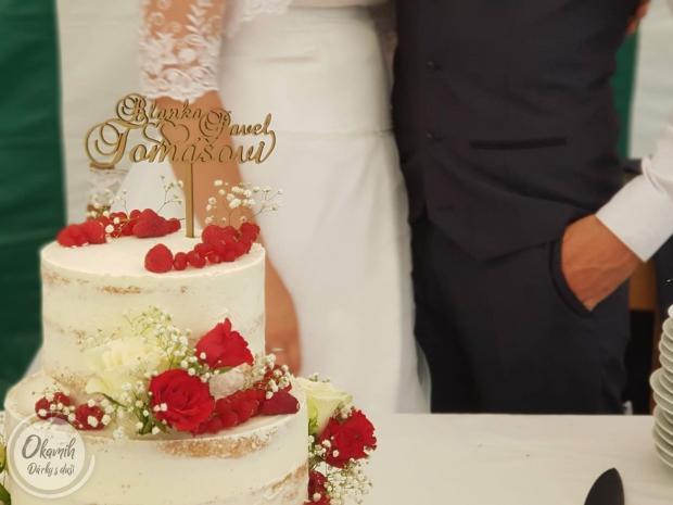 Svatební zápich do dortu se srdci Svatební zápich do dortu se srdci
