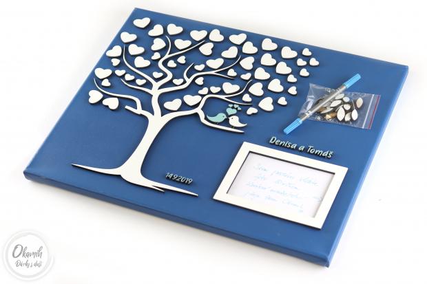 Svatební plátno s motivem stromu a rámečkem a tolika srdci, kolik si jen budete přát Svatební strom na plátnu s fotorámečkem jako ideální svatební dar