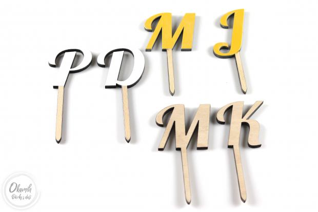 Svatební zápich do dortu s Vašima iniciálama Svatební zápich do dortu s Vašima iniciálama