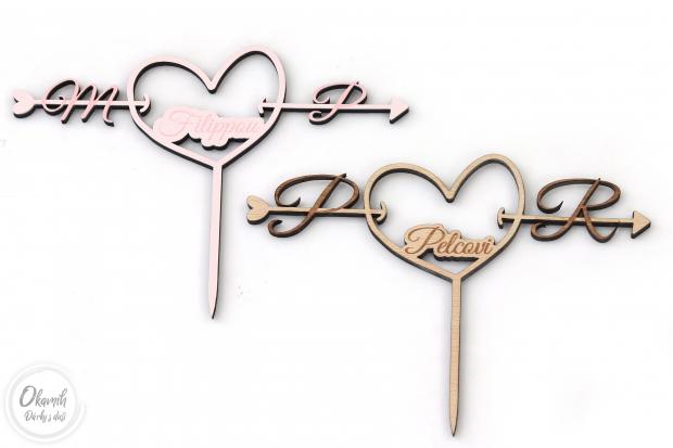 Svatební zápich do dortu se srdcem a iniciálama Zápich na svatební dort se srdcem a iniciálama novomanželů