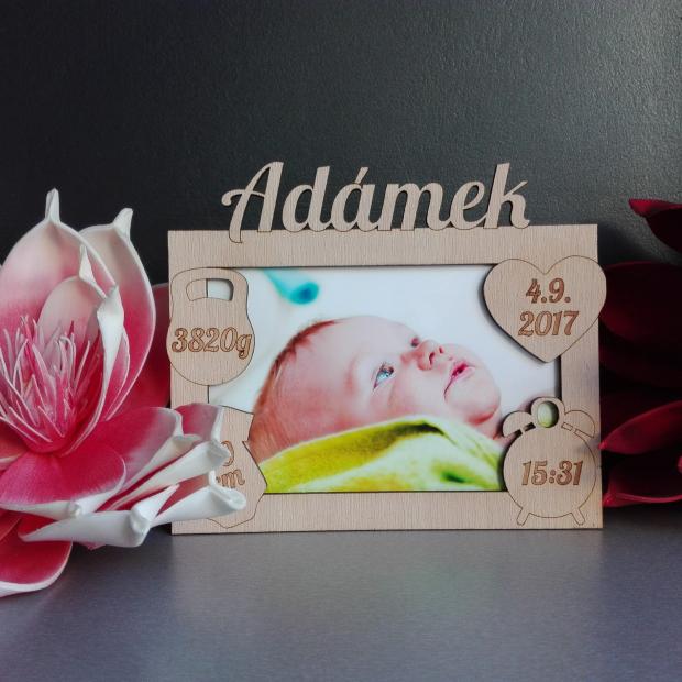 Rámeček k narození miminka s údaji o narození Rámeček na fotky s údaji o narození dítěte