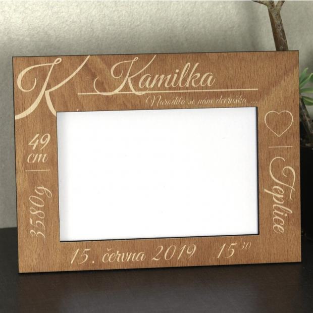 Elegantní rámeček k oslavě narození dítěte Elegantní fotorámeček v barvách i ve dřevě k narození dítěte