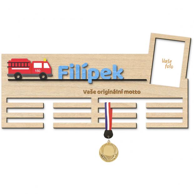 Věšák na medaile pro ty nejlepší dobrovolné hasiče Věšák na medaile s hasičským autem - velký, s fotorámečkem