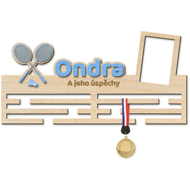 Věšák na medaile s rámečkem pro badmintonisty Věšák na medaile badminton - se jménem, velký, s fotorámečkem
