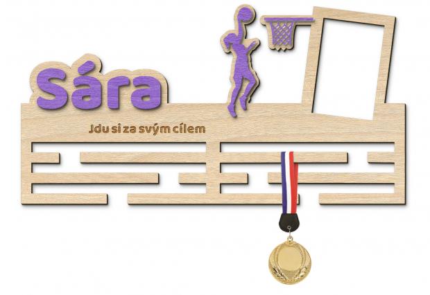 Basketbalový věšák na Vaše medaile s rámečkem Věšák na medaile basketbal - pro ženu, se jménem, velký, s fotorámečkem