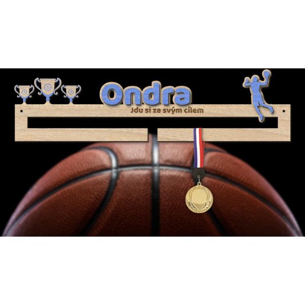 Věšák na Vaše medaile pro začínající basketbalisty Věšák na medaile basketbal - se jménem, střední
