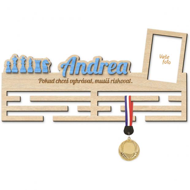 Věšák na medaile s rámečkem pro šachistu Věšák na medaile šachy - se jménem, velký, s fotorámečkem