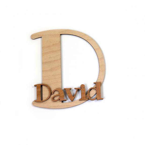 Dekorace do bytu - iniciála se jménem ve vlastních barvách Bytová dekorace - iniciály se jménem v jejich vlastních barvách