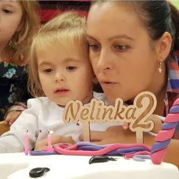 Ozdoba na dort k narozeninám se jménem a věkem Ozdoba na dort k narozeninám se jménem a věkem